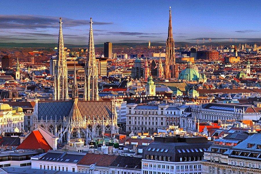 عاصمة النمسا اكتشف أجمل المعالم السياحية في فيينا الساحرة الرحالة